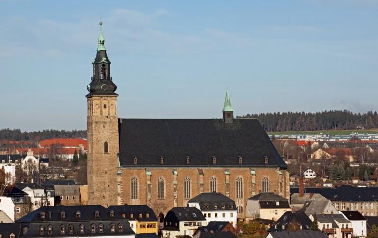 6.1.1-DE_HistAltStd_Schnbrg_St_Wolfgangkirche_Kirchplatz_16.jpg